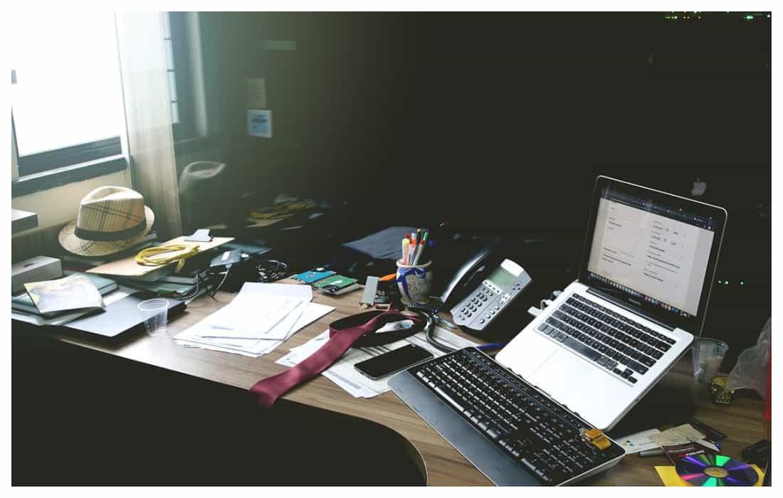 como limpiar correctamente una oficina